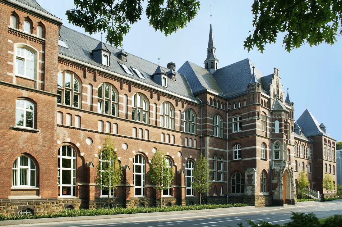 Außenansicht des Collegium Leoninums in Bonn